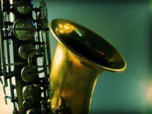 1200px-Tenor_saxophone_portrait_by_wakalani